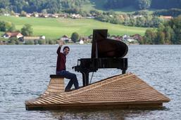 Un piano sur le lac de la Gruyère