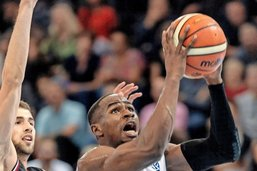 Fribourg Olympic monte en puissance