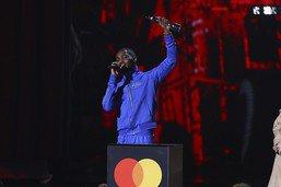 L'album engagé du rappeur Dave rafle la mise aux Brit Awards