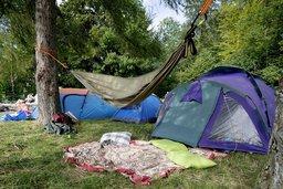Le camping sauvage a la cote