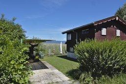 Fribourg précise le démantèlement des chalets du lac de Neuchâtel