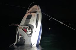 Un bateau heurte le téléski nautique