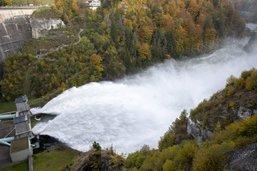Les images de l'impressionnant lâcher d'eau à Rossens