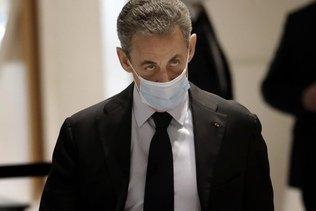 """L'ancien président français Nicolas Sarkozy comparaît pour """"financement illégal de campagne"""""""