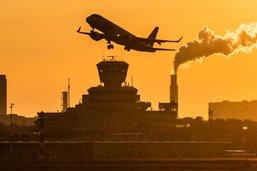 Biden veut réduire les émissions de l'aviation de 20% d'ici à 2030