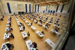 Obligation d'annonce pour les hébergeurs commerciaux à Fribourg